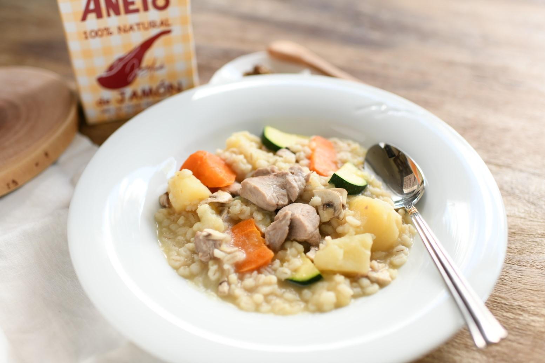 もち麦と豚肉の生ハムスープ煮込み